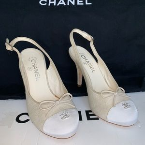Chanel fabric pumps 37